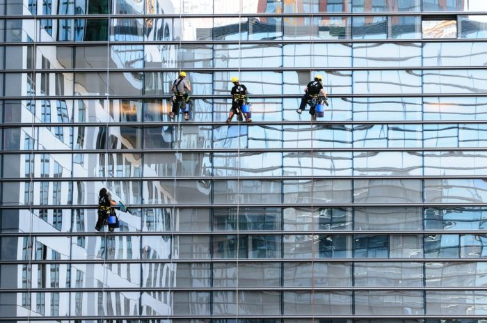 High-rise window cleaning Commercial window cleaning Professional window cleaning